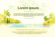 Uitstekend Tropisch Oceaanstrand met Retro Palm Stock Foto's