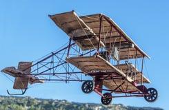 Uitstekend Tweedekker Modelvliegtuig stock foto's