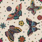 Uitstekend van de flitsvlinders en bloemen van de stijl traditioneel tatoegering naadloos patroon Stock Foto