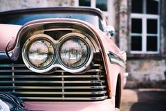 Uitstekende Amerikaanse Auto Hoofdlichten Stock Foto