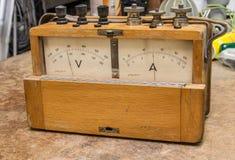 Uitstekende analoge elektrische meter Royalty-vrije Stock Foto's