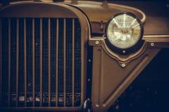 Uitstekende autokoplamp stock afbeeldingen