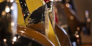 Uitstekende autokoplamp stock fotografie