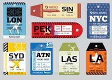 Uitstekende bagagemarkeringen, de vectorreeks van reisetiketten stock illustratie