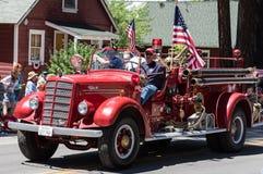 Uitstekende Brandmotor op Parade in Graeagle, Californië Royalty-vrije Stock Foto