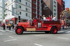 Uitstekende brandvrachtwagen Stock Afbeeldingen