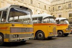 Uitstekende bussen in valetta Malta royalty-vrije stock afbeeldingen