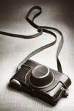 Uitstekende camera en geval Stock Afbeelding