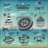 Uitstekende de zomerachtergrond. Reeks etiketten Stock Afbeeldingen