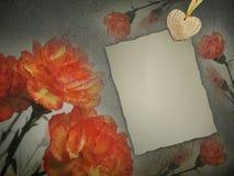 Uitstekende document textuur, de achtergrond van aardbloemen. Anjers. Royalty-vrije Stock Afbeelding