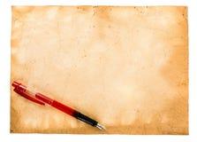 Uitstekende documenten en pen Stock Afbeeldingen