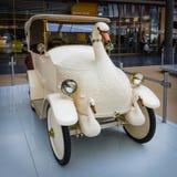 Uitstekende elektrische autojonge zwaan, de Auto van de Babyzwaan, 1920 Royalty-vrije Stock Fotografie