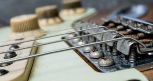 Uitstekende elektrische gitaarkoorden en brug royalty-vrije stock foto