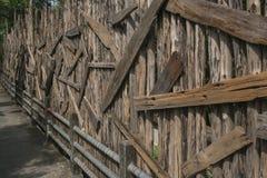 Uitstekende en oude houten muurachtergrond Stock Foto