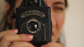 Uitstekende fotocamera stock video