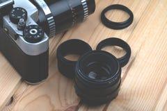 Uitstekende fotocamera met de macroringen royalty-vrije stock foto