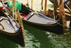 Uitstekende gondels, Venetië, Italië Stock Foto