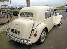 Uitstekende het huwelijksauto van Citroën Royalty-vrije Stock Afbeeldingen