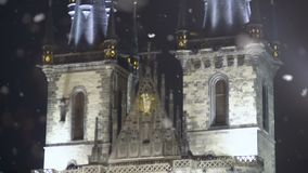 Uitstekende het Kasteelvoorgevel van elementenpraag, oude Europese architectuur, erfenis stock videobeelden