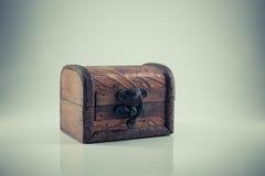 Uitstekende houten borst, Stock Fotografie