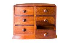 Uitstekende houten borst met open lade op wit Stock Afbeelding