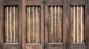Uitstekende houten deur Stock Foto's