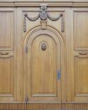 Uitstekende houten deur, Dresden, Duitsland Stock Foto