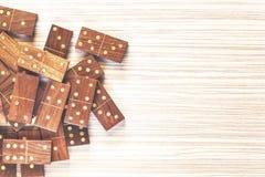 Uitstekende houten dominoe royalty-vrije stock afbeelding