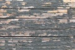 Uitstekende houten horizontale barstenachtergrond met blauwe schilpijn stock foto