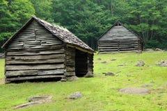 Uitstekende houten schuur in de bergen Royalty-vrije Stock Afbeelding