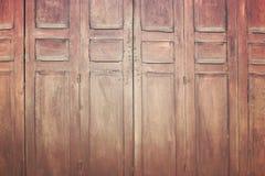 Uitstekende houten vouwende deur, retro stijlbeeld Royalty-vrije Stock Foto's