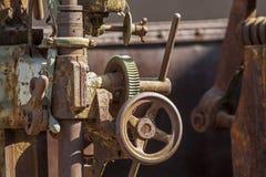 Uitstekende industriële klep dichte omhooggaand stock foto