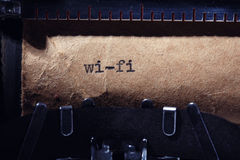 Uitstekende inschrijving die door schrijfmachine wordt gemaakt Stock Fotografie
