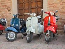 Uitstekende Italiaanse autopedden Vespa Royalty-vrije Stock Foto