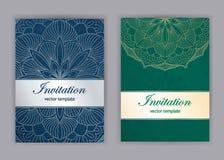 Uitstekende kaarten met Bloemenmandalapatroon en ornamenten Stock Foto
