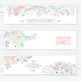 Uitstekende kaarten met bloempatronen en bloemen Royalty-vrije Stock Afbeeldingen