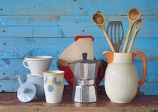 Uitstekende keukengerei en schotels Royalty-vrije Stock Afbeeldingen