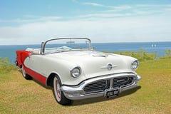 Uitstekende klassieke Amerikaanse oldsmobile Royalty-vrije Stock Afbeelding