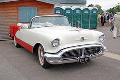 Uitstekende klassieke oldsmobile starfire Royalty-vrije Stock Fotografie