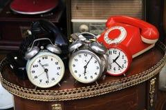 Uitstekende Klokken en Telefoons Royalty-vrije Stock Foto's
