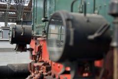 Uitstekende koplamp van oude trein stock afbeeldingen