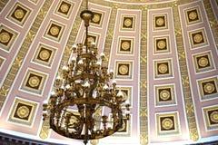 Uitstekende kroonluchter in het Capitoolkoepel van de V.S. Royalty-vrije Stock Afbeeldingen
