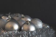 Uitstekende lage contrastfoto van glanzende en heldere zilveren Kerstmis Royalty-vrije Stock Foto