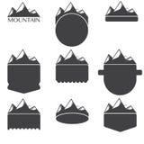 Uitstekende lege kentekens met bergen Stock Afbeeldingen