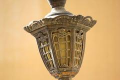 Uitstekende lichte lamo met messing & glas stock fotografie