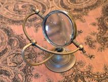 Uitstekende meer magnifier loupe - Selectieve nadruk Stock Afbeelding