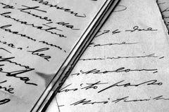 Uitstekende met de hand geschreven brieven Stock Afbeelding