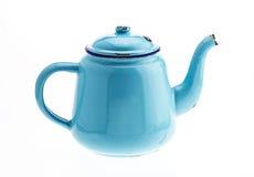 Oude uitstekende theeketel op witte achtergrond stock foto 39 s afbeelding 37752943 - Kleuren die zich vermengen met de blauwe ...