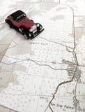 Uitstekende modelauto en kaart Royalty-vrije Stock Afbeelding