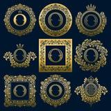 Uitstekende monogrammenreeks van o-brief Gouden heraldische emblemen in kronen, ronde en vierkante kaders vector illustratie
